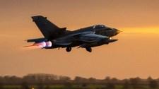 Trump és két csatlósa légicsapásokat intézett Szíria ellen