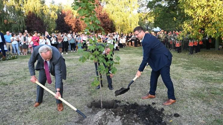 Gulyás Gergely: Magyarország megújításának legfontosabb feltétele a vidéki élet megújítása