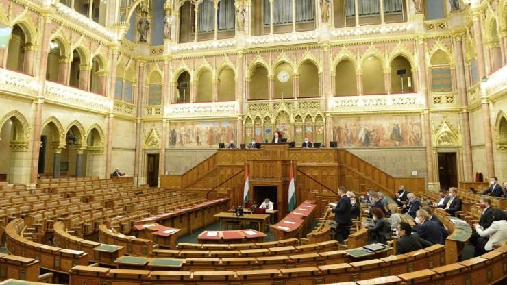 Előválasztás-elemzés: alacsony részvételben bízhat Dobrev Klára, sok múlhat a Jobbikon
