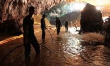 Nyilvánosságra hozta a barlangi mentőakció felvételeit a thai haditengerészet