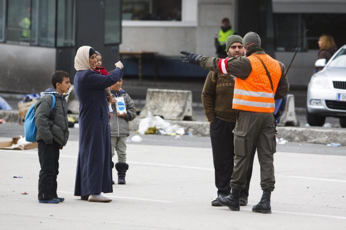 Abszurd a migránsok nemek szerinti megkülönböztetése?