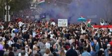 """Elemzők: senki által meg nem választott civilek"""" le akarják cserélni az ellenzéki pártokat"""