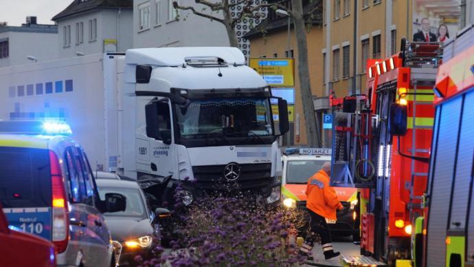 Terrorcselekmény a németországi Limburgban: teherautós ütközés