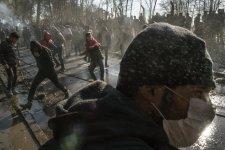 Nahát, mégis meg lehet védeni a görög határt: visszavonultak Erdogan migránscsapatai