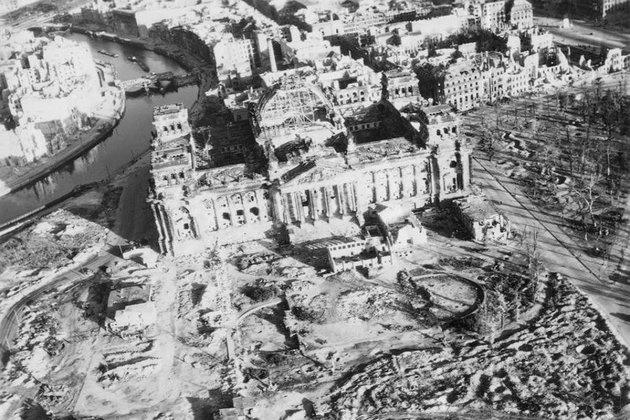 Így nézett ki a szétbombázott Berlin a II. világháború után