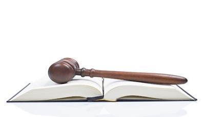 Változik a szabálysértési törvény: a magyarokkal szigorúbb, a cigányokkal elnézőbb lesz