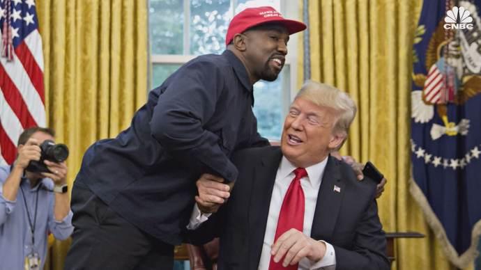 Kanye West néger rapper a legújabb elnöki ambíciókat szövögető bohóc