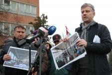 Lökdösődésbe fulladt a migránsozó fideszes sajtótájékoztató
