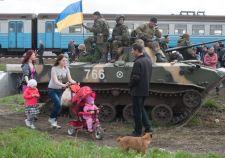 Egy ukrán hadoszlop letette a fegyvert, három harcjármű kitört a szakadárok gyűrűjéből Kramatorszkban