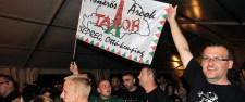 Nem szórakoztak! Maszkos rendőrök rontottak a székelyföldi Ismerős Arcok koncertre