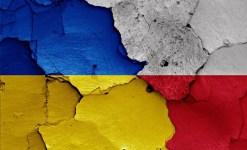 Élesedik az ukrán-lengyel feszültség: lengyel turisták buszát robbantották fel Lembergben
