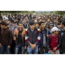 Egymillió kiéhezett migráns jelent potenciális veszélyt a nőkre