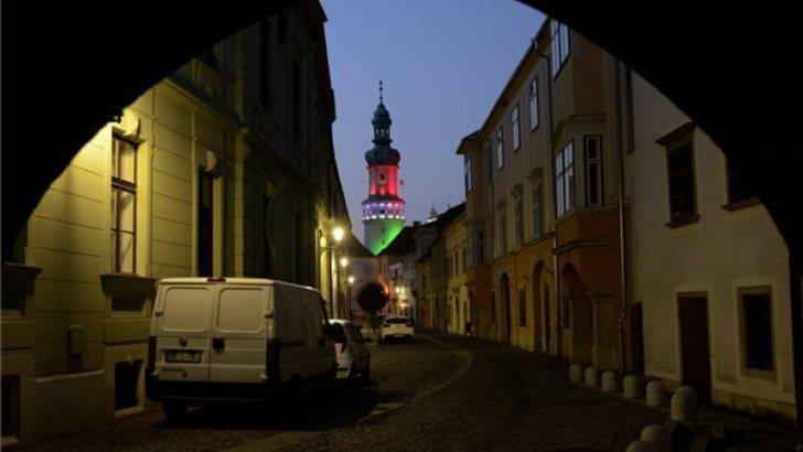 Magyarország fényekben