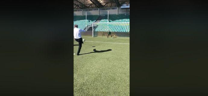 VIDEÓ: így rúg tizenegyest Andrej Kiska