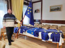 Leszedette az uniós zászlókat a pitvarosi polgármester