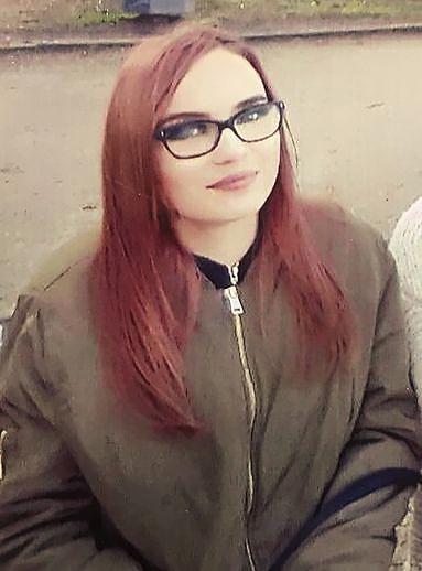 Ki látta a lányt?  16 éves, muzulmán hitre tért és kivándorolt Algériába?