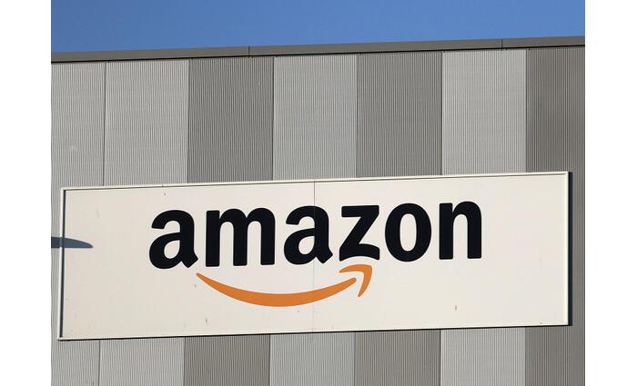 Megdöbbentő pazarláson kaphatták az Amazont az egyik raktárában