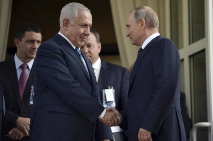 Netanjahu Szocsiban, Putyin jobbján hazudozott arról, hogy Irán mekkora veszélyt jelent az egész világra