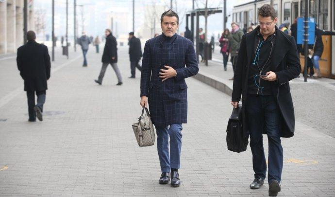 Orbán főtanácsadója nem utazhat Amerikába – az idősverő Habonynak hazudnia kellett októberben