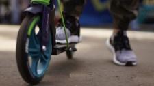 Sajátos megoldást választott Erzsébetváros az utcai rollerek okozta helyzetre