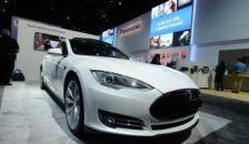Nagy dobásra készül a Tesla