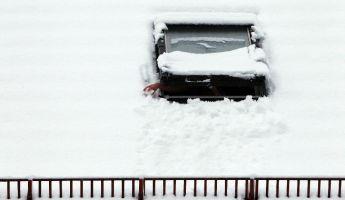 Megbénította a közlekedést a havazás