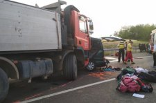 Kilenc román állampolgár vesztette életét egy Maros megyei kisbusz magyarországi balesetében
