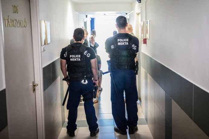 Letartóztatták a gyilkos cigányokat – természetesen ártatlanok, és rossz lelkiállapotban vannak szegények