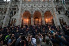 Levél Gulyás Gergelynek és Kocsis Máténak az egyházi vezetők tegnapi megtámadásáról a Kossuth téren