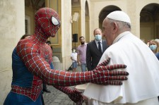 Ferenc pápa és Pókember találkozott a szerdai audiencián