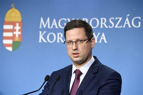 """Nagy nehezen a Fidesz is felfogta: """"senkinek semmivel nem tartozunk az EU-s forrásokért, az a mi pénzünk"""""""