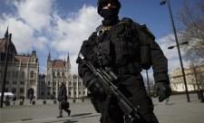 """""""Özönlenek a rendőrök Budapestre"""""""