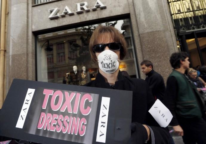 Hogy szabaduljunk meg a mérgező gyerekruháktól és sportcipőktől?