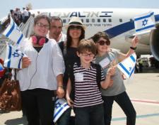 Zsidó értelmiségiek felhívása a Facebookon: Minden magyar zsidó távozzon Izraelbe!