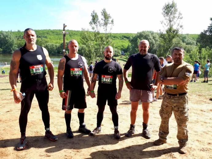 A HunHarcos akadályfutó versenyen a Betyársereg