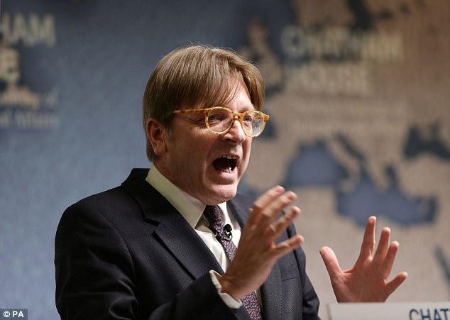 """Verhofstadt brüsszeli liberális vezér """"belemártotta a kést a kelet-európai országokba"""""""