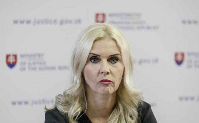 Őrizetben marad Monika Jankovská volt államtitkár