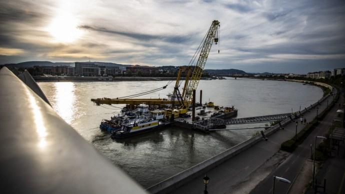 Megérkeztek a monstrumok a Duna fővárosi szakaszára – videó