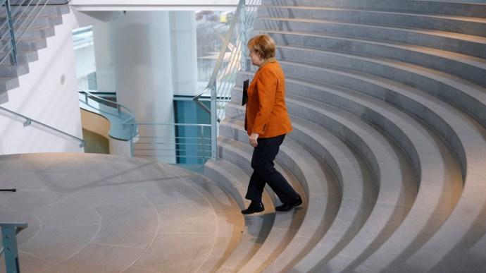 Büntetőfeljelentés Merkel ellen  nép elleni uszítás miatt