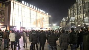 Köln elkezdett felfegyverkezni