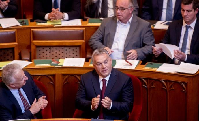 Újabb feljelentés Orbán Viktor ellen