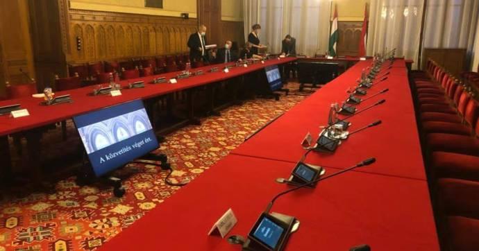 Az ellenzék minden javaslatát lesöpörték a kormánypártok az asztalról