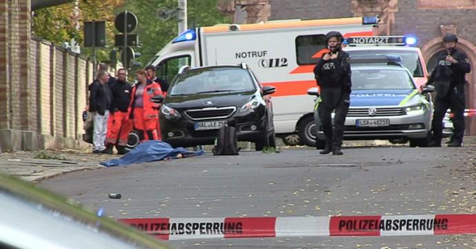 Gépfegyveresek támadtak egy zsinagógára és egy kebabozóra Németországban, többen meghaltak