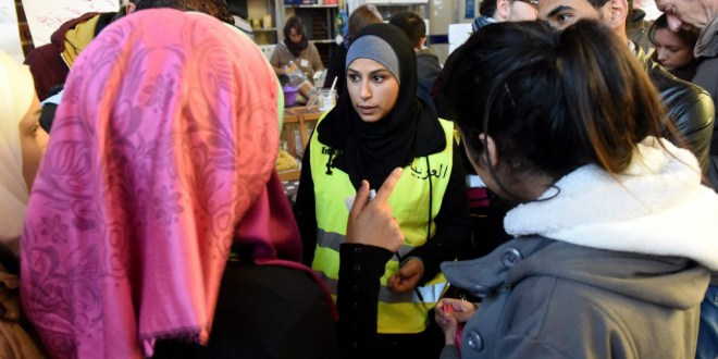 Elfogult migránstolmácsokat rúgott ki a menekültügyi hivatal
