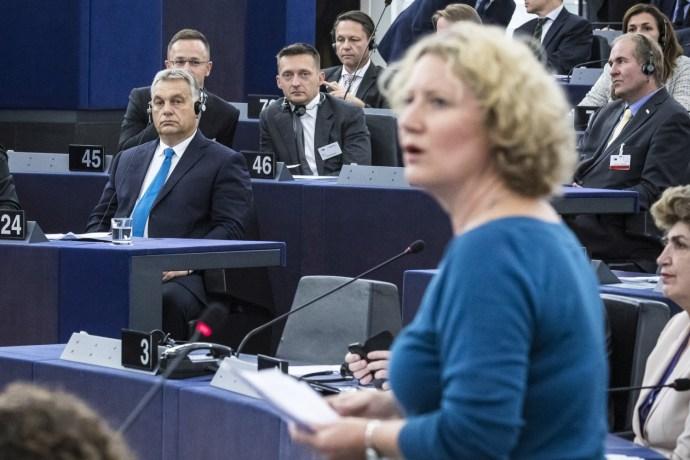 Orbán is benevezett az antiszemitázós licitbe: azt mondja, már Netanjahu bírálata is annak számít