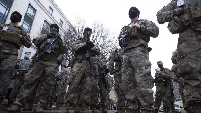 Huszonötezer nemzeti gárdistát rendeltek a Capitoliumhoz