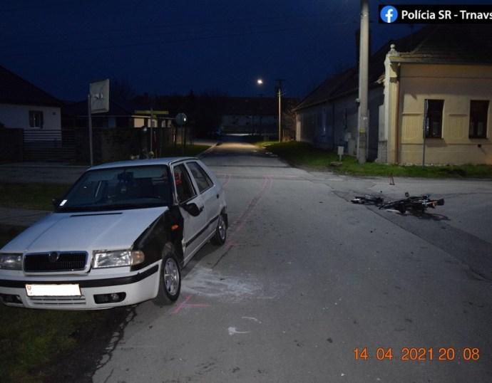Személyautó ütközött egy motorkerékpárossal Nyárasdon, utóbbinál gyanús anyagokat találtak