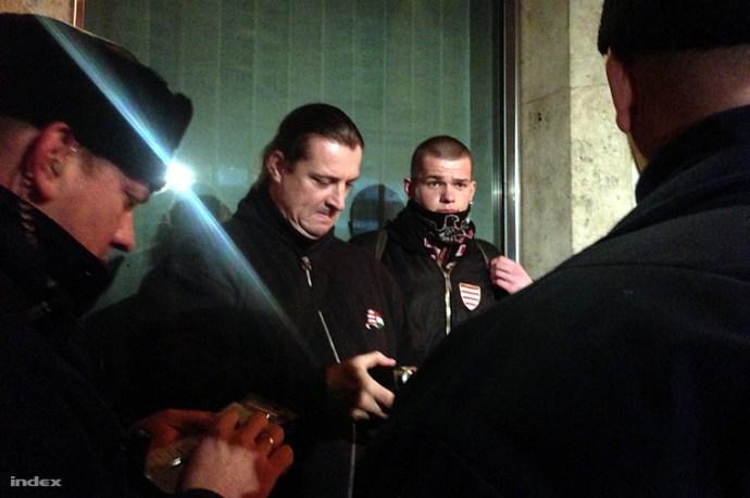 Budaházyék is kimentek a kormányellenes tüntetésre, mire a résztvevők nácizni kezdtek