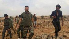 A Tabaqa repülőtérnél kivégzett katonák tömegsírját találta meg a szíriai hadsereg