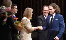 Na, kit nem hívtak meg az Arany János-emlékév kapcsán rendezett zeneszerzőverseny díjátadójára? :(